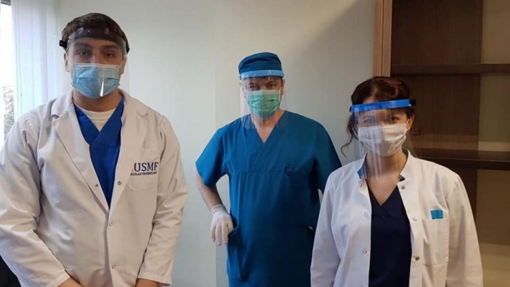 Gest nobil făcut de studenţii basarabeni din Cluj-Napoca pentru medicii din Republica Moldova